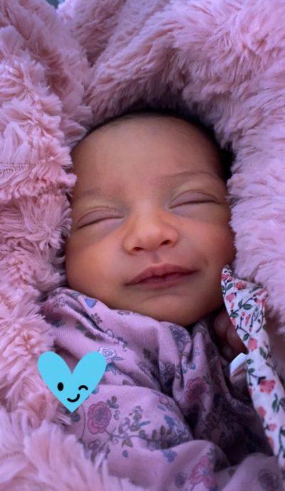 Dominique Gallego compartió tierna postal de su hija recién nacida