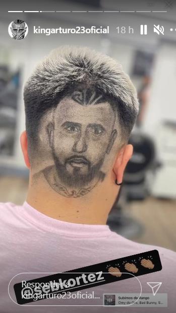 Fanático de Arturo Vidal se inmortalizó al jugador en el pelo